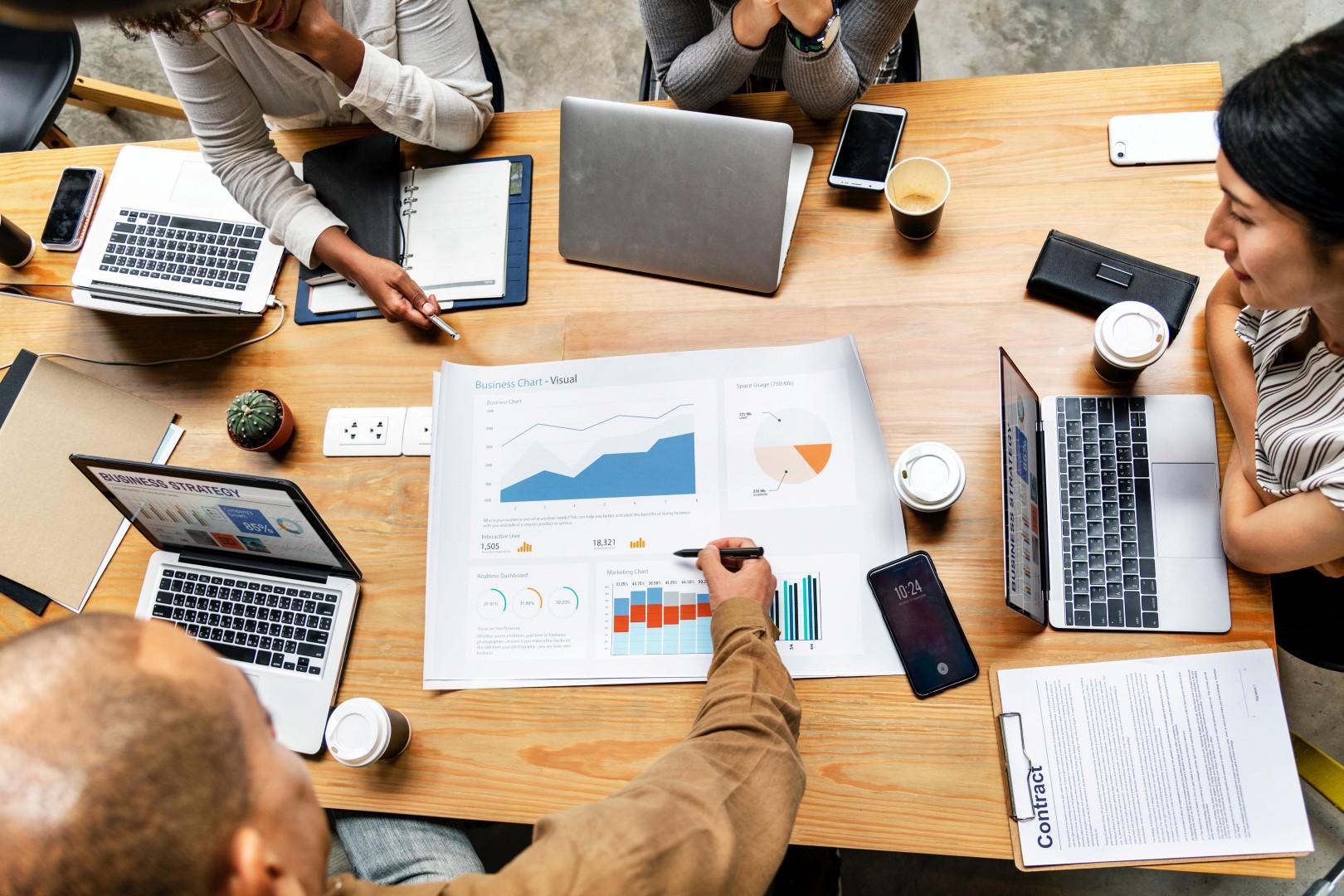 100 επαγγέλματα που μπορούν να πάρουν επιδότηση «Εργαλειοθήκη Επιχειρηματικότητας– Εμπόριο, Εστίαση, Εκπαίδευση»